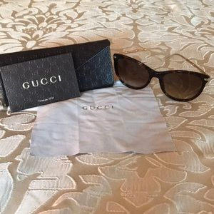 Gucci car eyed tortoise shell sunglasses